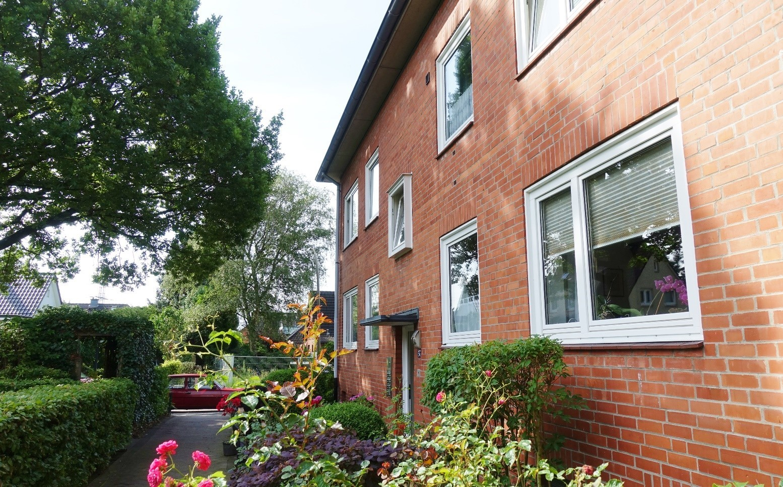 Anspruchsvoll modernisierte 64m² große 2-Zimmer Wohnung mit Balkon in Hamburg-Ohlsdorf